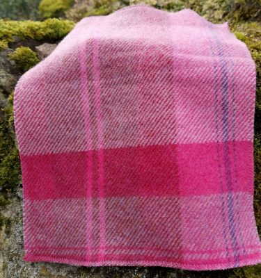 Kinfauns Fuchsia Throw product Shot