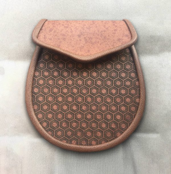 Brown leather day sporran with honeycomb pattern